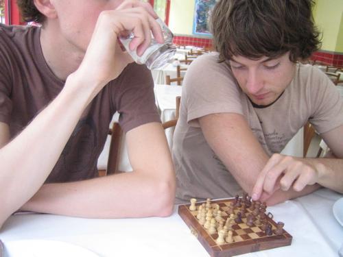Kings of Convenience schaken